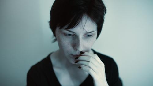 žena s psychickým blokem